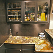 Traditional Kitchen by CW Inc.