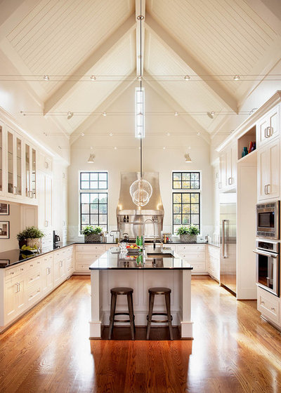 Traditional Kitchen by Rufty Custom Built Homes and Remodeling