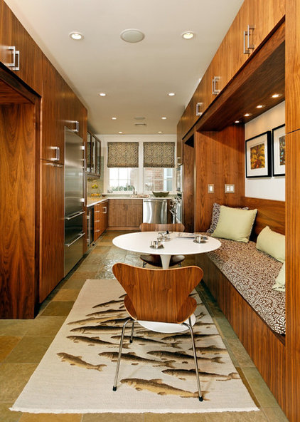 Contemporary Kitchen by Harry Braswell Inc.