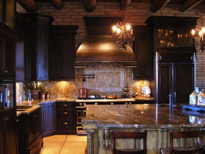 Rustic Kitchen by Vivienda LLC