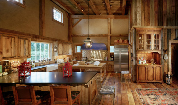 Farmhouse Kitchen by Douglas VanderHorn Architects