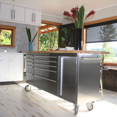 Industrial Kitchen by Atarah Humphreys, Designer at Urbana Kitchens