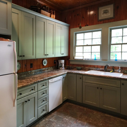 small rustic enclosed kitchen designs inspiration for a small rustic ushaped vinyl floor