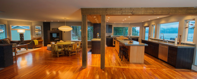 Contemporary Kitchen by Denise Mitchell Interiors