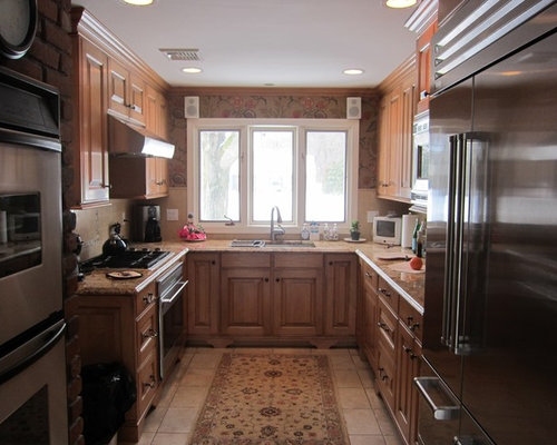 Traditional Kitchen Idea In New York