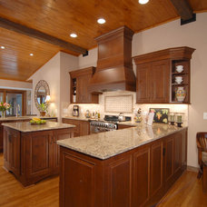 traditional kitchen by Cynthia Murphy