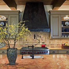 traditional kitchen by Bulhon Design Associates