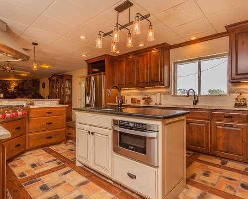 6x7 eat in kitchen design ideas renovations photos with for Bathroom remodel 6x7