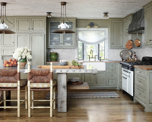 Best Rustic Kitchen With White Appliances Design Ideas & Remodel