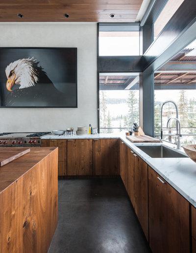 Montagne Cuisine Rustic Kitchen