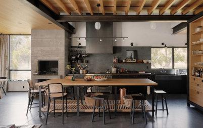 New This Week: 2 Kitchens That Nail Modern Farmhouse Style