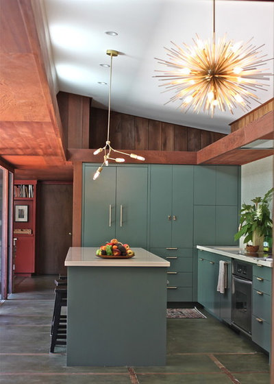 Midcentury Kitchen by Cosentino North America