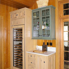 Rustic Kitchen by Thelen Total Construction