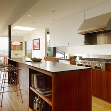 Modern Kitchen by building Lab, inc.