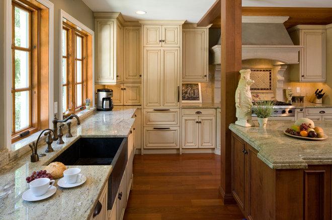 Mediterranean Kitchen by HBF plus Design