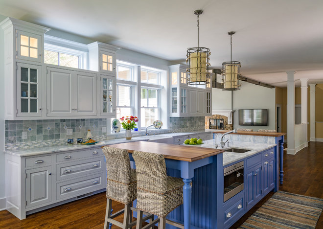 Traditional Kitchen by KISTLER & KNAPP BUILDERS