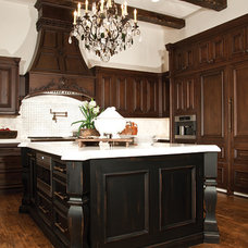 Traditional Kitchen by Rysso Peters