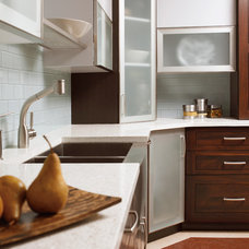Modern Kitchen by Plain & Fancy Custom Cabinetry