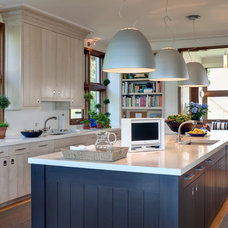Beach Style Kitchen by foley&cox