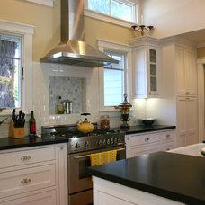 Traditional Kitchen by Fiorella Design
