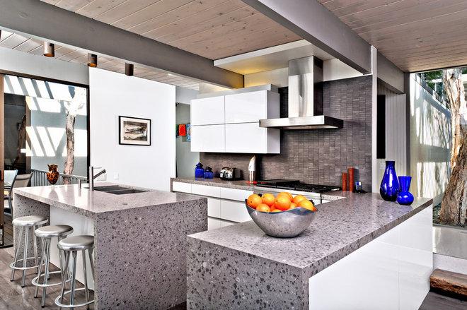 Modern Kitchen by Jamie Gold, CKD, CAPS