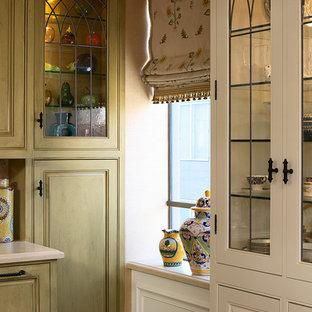 Klassische Küche mit Glasfronten in San Francisco