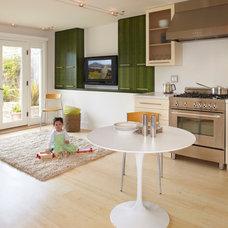 Modern Kitchen by Jetton Construction, Inc.