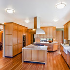 White Shaker Kitchen Cabinets Home Design - Traditional - Columbus - by Lily Ann Cabinets