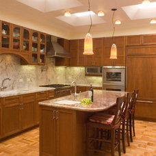 Traditional Kitchen by MTP Architects