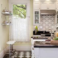 Traditional Kitchen by Michael Merrill Design Studio, Inc