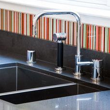 Modern Kitchen by Indie Design