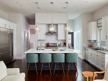 Pick The Right Pendant For Your Kitchen Island - Pendulum lights over island