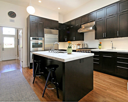 Espresso cabinets houzz for Chocolate kitchen cabinets with stainless steel appliances