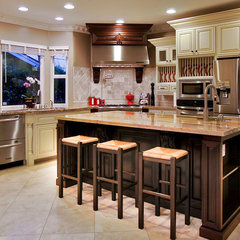 mediterranean kitchen by mark pinkerton  - vi360 photography
