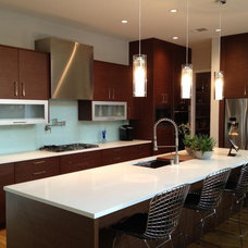 Modern Kitchen by Greico Designers/Builders Dallas