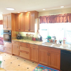 Eclectic Kitchen by San Luis Kitchen Co.