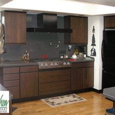 Modern Kitchen by San Luis Kitchen Co.