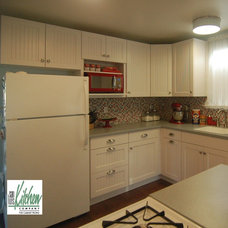 Beach Style Kitchen by San Luis Kitchen Co.