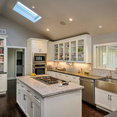 Traditional Kitchen by BayWorks Construction, Inc.