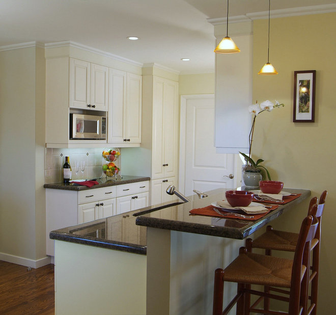 Traditional Kitchen by Carol Gillum, CKD