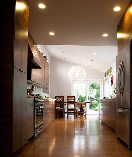 Kitchen by Architect Mason Kirby Inc.