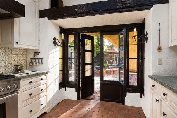 Mediterranean Kitchen by Chelsea Construction Corporation