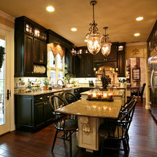 Eclectic Kitchen by Amarant Design and Build Center
