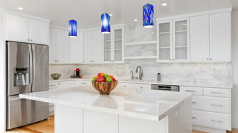 San Vicente: Full Kitchen and Bathroom Renovation