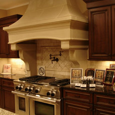 Traditional Kitchen by Cornerstone Builders & Associates, LLC