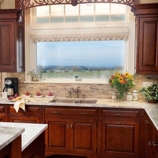 Traditional Kitchen by Hubbard Construction, Inc.
