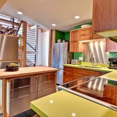 Contemporary Kitchen by Ray C. Freeman III, Architect