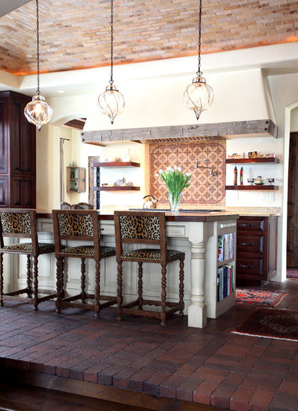 Mediterranean Kitchen by Tewes Design