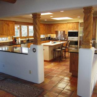 Southwestern kitchen inspiration - Kitchen - southwestern kitchen idea in Albuquerque