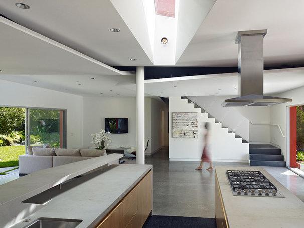 Modern Kitchen by Kevin Daly Architects